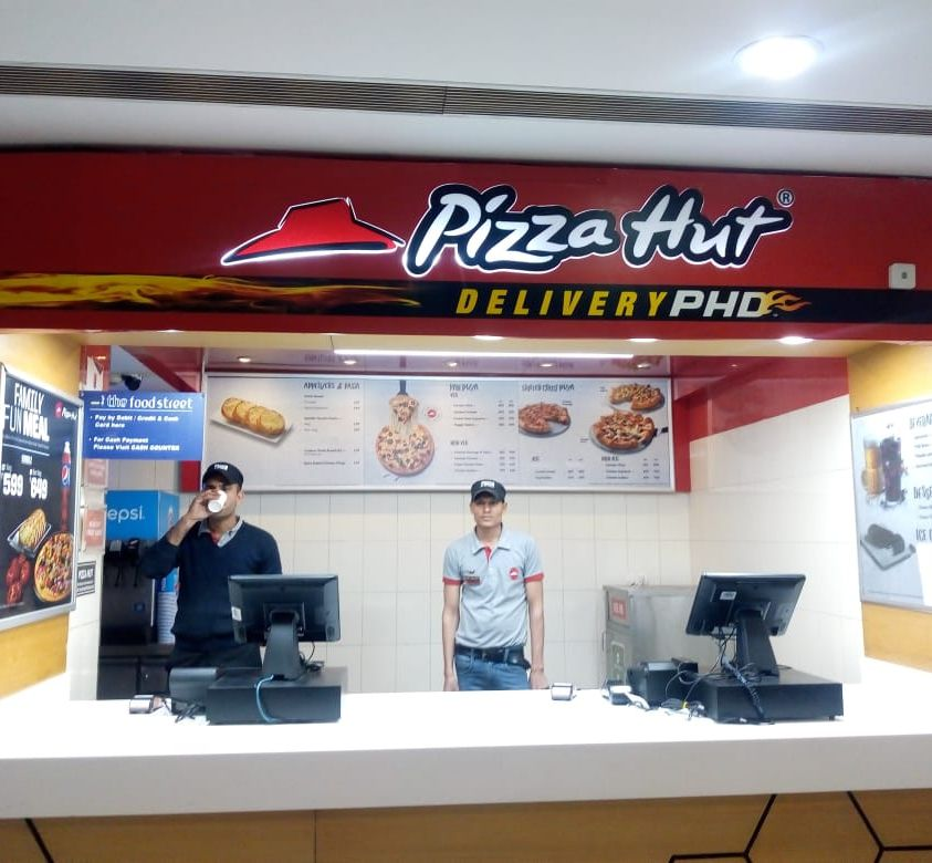 Pizza Hut Store Branding
